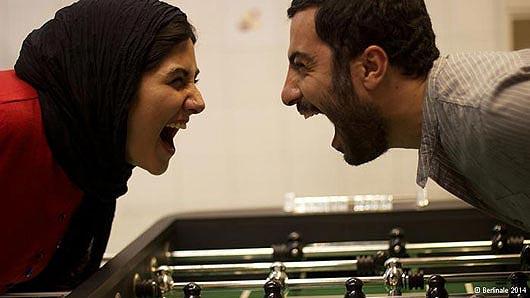 نوید محمدزاده و باران کوثری در نمایی از فیلم
