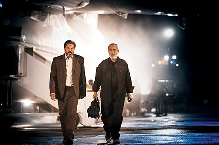 پرویز پرستویی و امیر آقایی در نمایی از فیلم