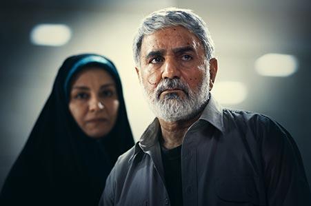 پرویز پرستویی و مریلا زارعی در نمایی از فیلم