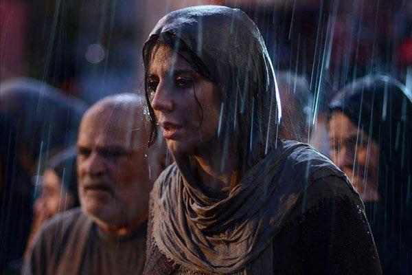 لیلا حاتمی در نمایی از فیلم «بمب، یک عاشقانه»