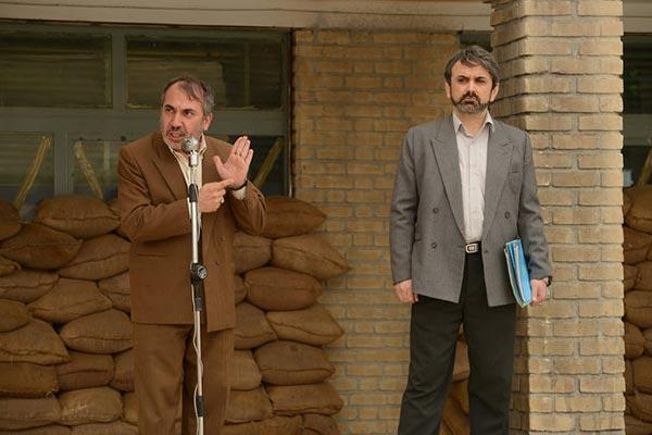حبیب رضایی و سیامک انصاری در نمایی از فیلم «بمب، یک عاشقانه»