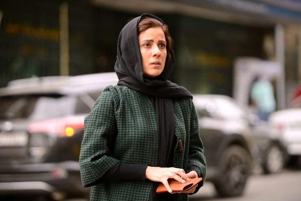 سارا بهرامی در نمایی از فیلم «حمشیدیه»