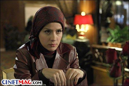 سارا بهرامی در نمایی از سریال