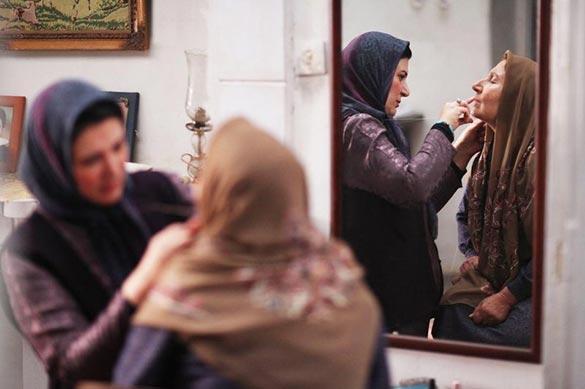 ریما رامین فر و شیرین یزدانبخش در نمایی از فیلم سینمایی