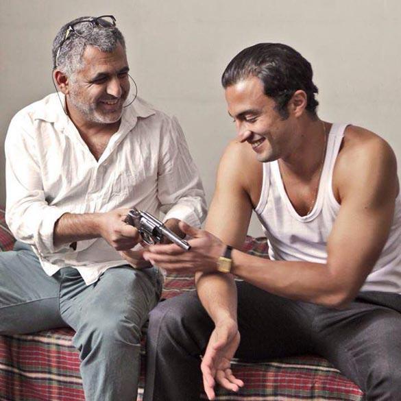 امیر جدیدی و مانی حقیقی در نمایی از فیلم سینمایی