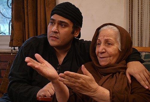احترام السادات حبیبیان و رضا داودنژاد در نمایی از فیلم