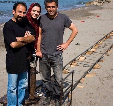 اصغر فرهادی، ترانه علیدوستی و مانی حقیقی در پشت صحنه فیلم سینمایی «درباره الی...»