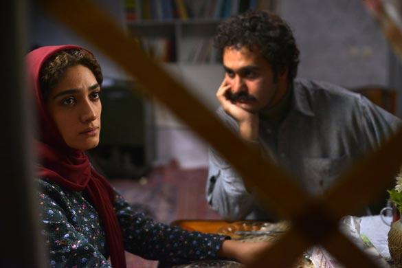 میلاد کی مرام و مینا ساداتی در نمایی از فیلم سینمایی