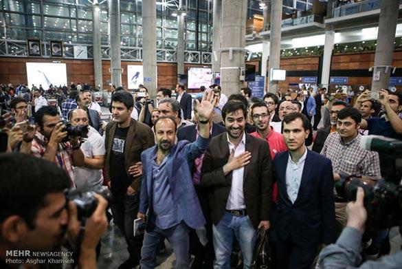 اصغر فرهادی و شهاب حسینی در برگشت از فستیوال کن به ایران در فرودگاه امام خمینی