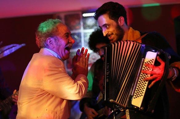 مسعود کرامتی در نمایی از فیلم سینمایی