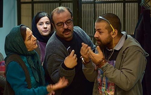 هومن سیدی، سعید آقاخانی و گلاب آدینه در نمایی از فیلم