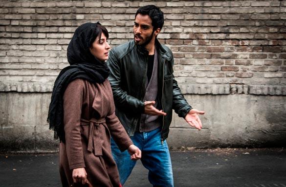 ساعد سهیلی و آناهیتا افشار در نمایی از فیلم سینمایی