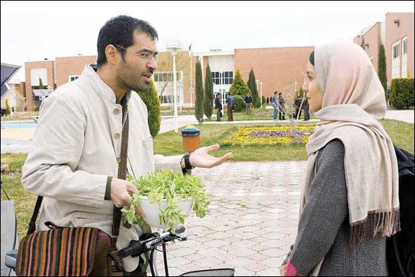 نازنین فراهانی و شهاب حسینی در نمایی از فیلم