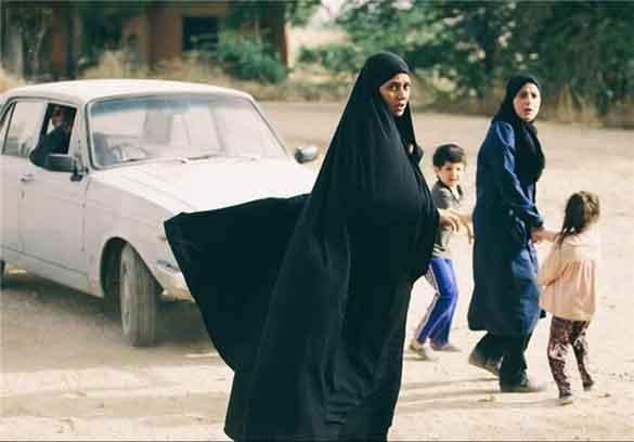 پریناز ایزدیار در نمایی از فیلم سینمایی