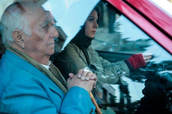 شادی کرم رودی و سورن مناساکانیان در نمایی از فیلم