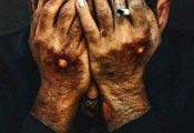 پیمان معادی در نمایی از فیلم «درخت گردو» ساخته محمدحسین مهدویان
