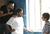 هومن سیدی و نوید محمدزاده در نمایی از پشت صحنه فیلم سینمایی